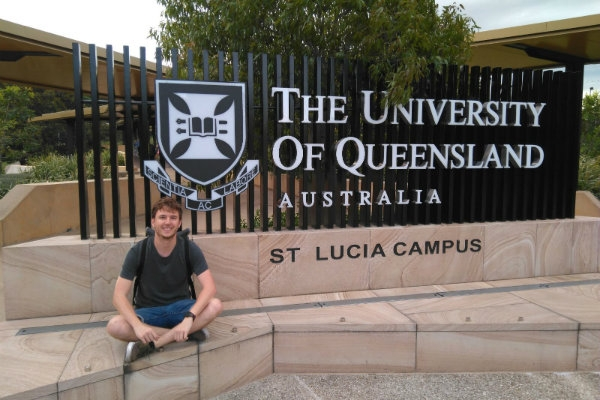 Enric starts his predoctoral research staying in AWMC, UQ, Australia